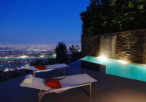 Modern House Design in Hollywood Hills 2 Modern House Design at Hollywood Hills