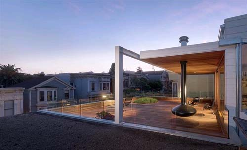 Balcony of Beaver Street Reprise by Craig Steely Architecture Beaver Street Reprise, Modern House Design in San Francisco, California