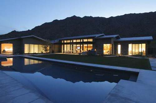 Palm Desert Residence by Heliotrope Architects Palm Desert Residence in Palm Desert, California by Heliotrope Architects