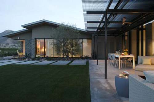 Terrace,Garden-Palm Desert Residence by Heliotrope Architects