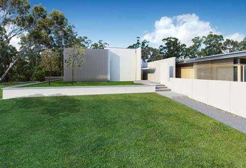 Yard Tinbeerwah Residence by Richard Kirk Architect Tinbeerwah Residence by Richard Kirk Architect