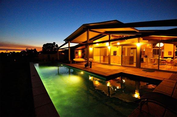 Night view, Palmer and Krisel Renovation, Modernized Home