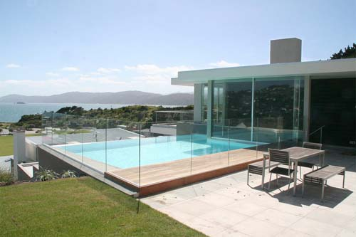 Seatoun House, T Shaped House Design By Parsonson Architects   Pool View