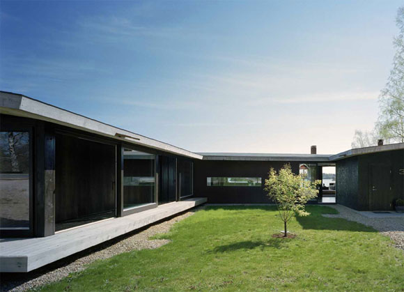 courtyard view of H House in Troso South of Stockholm by WRB Architects H   House in Troso, South of Stockholm by WRB Architects
