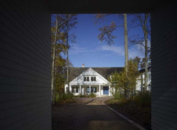 Summer House on Lake Michigan by Wheeler Kearns Architects 1 Summer House on Lake Michigan by Wheeler Kearns Architects
