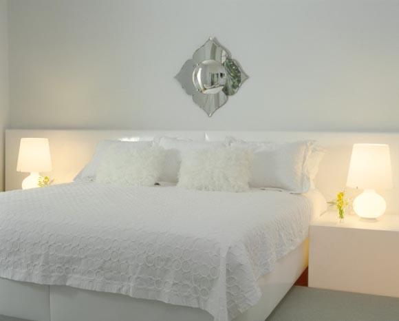 Villa roxie in miami luxury villa with luxury interior for Freshome bedroom designs