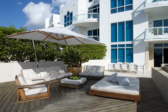 Miami Beach Townhouse By Magdalena Keck Interior Design Interior Design Architecture Furniture