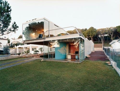 Villa Bio by Enric Ruiz Geli's 0 House with Green Roof by Enric Ruiz Geli