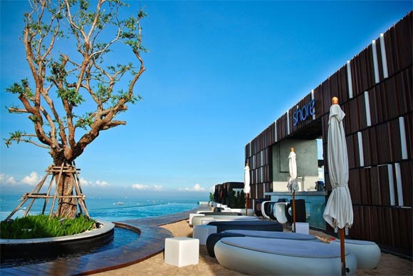 Hotel hilton in thailand with luxury landscaping for Design hotel pattaya