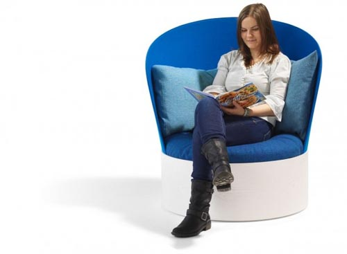 Enjoy reading with B25 easy chair